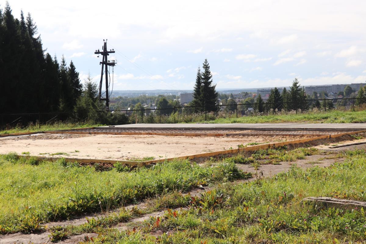 Стоянка и вертолетная площадка