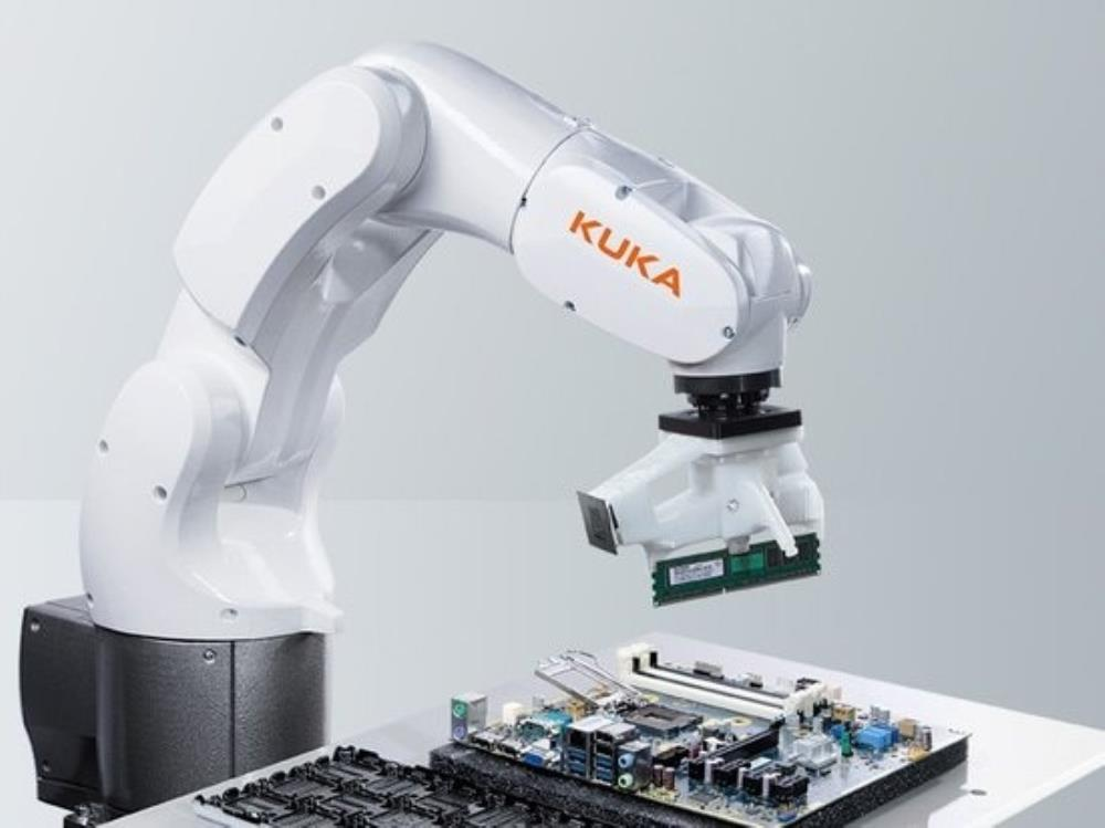 Робот Kuka1