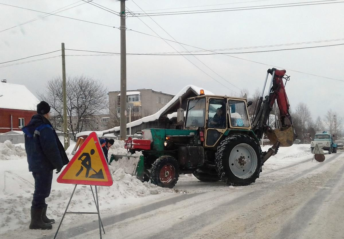 Освободили гидранты от снега