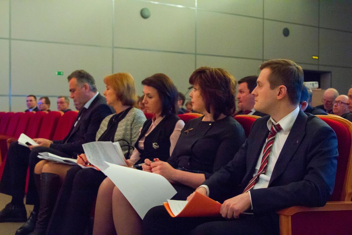 Проходит семинар для глав районов и городов