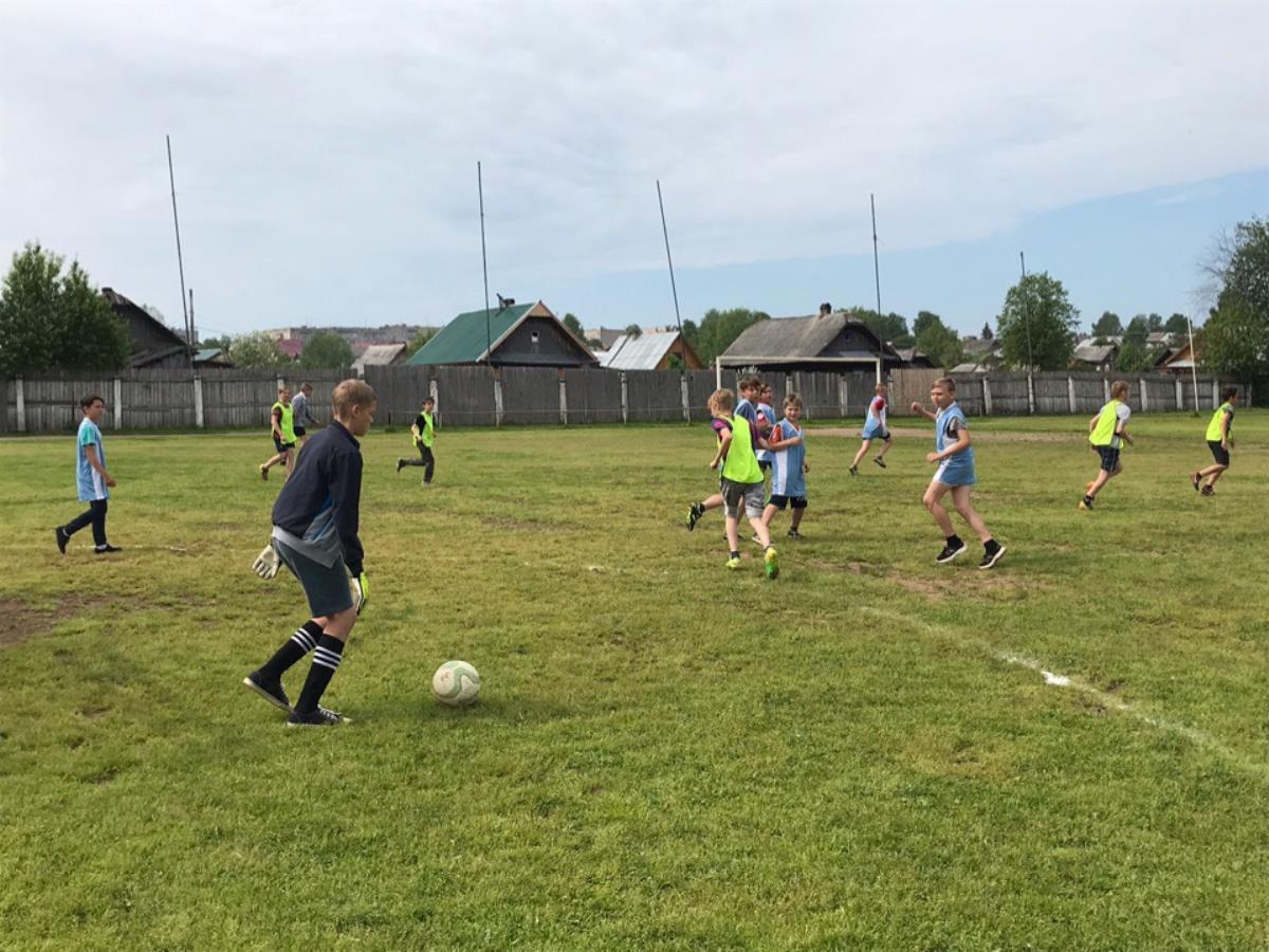 Мини-футбол у школьников