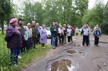 В Восточном состоялось открытие мемориальной доски почетному жителю поселка В.А. Валову 2