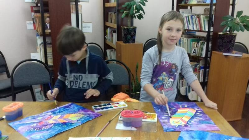 Детская библиотека приглашает раскрасить лето