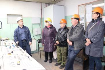 Ветераны-металлурги побывали на заводе 4