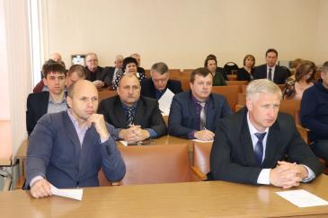 На заседании Думы депутаты приняли отставку В.Л. Друженькова 3