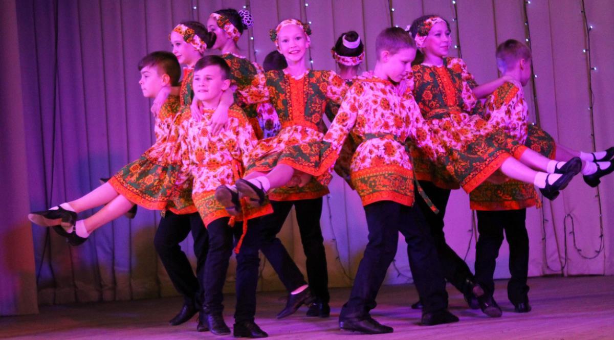 Лидируют в номинации «Народный танец»