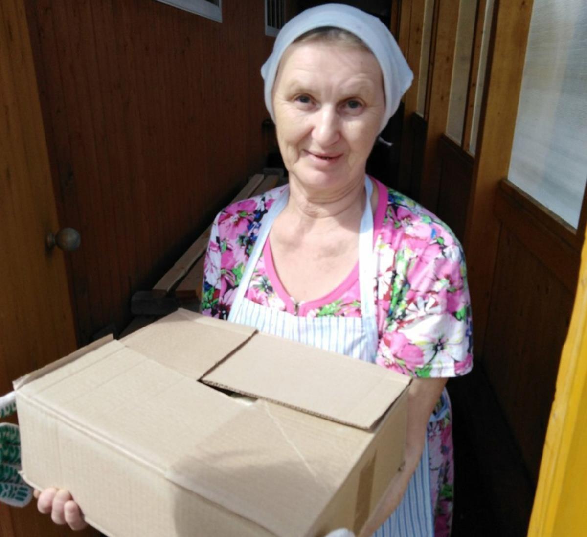 Жители района получают продуктовую помощь