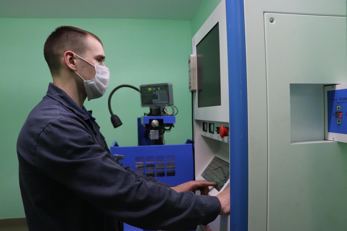 На заводе - новые станки и технологии