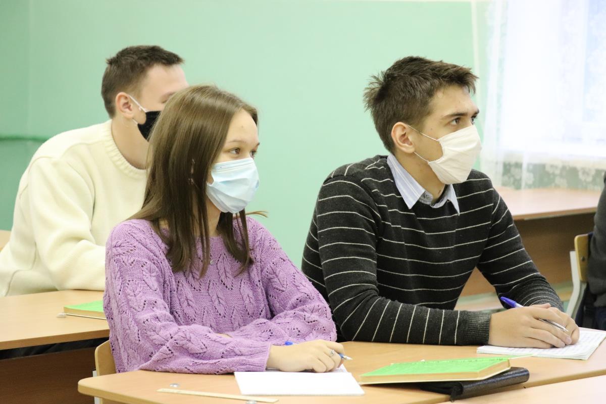 Пять причин учиться в ВятГУ в Омутнинске