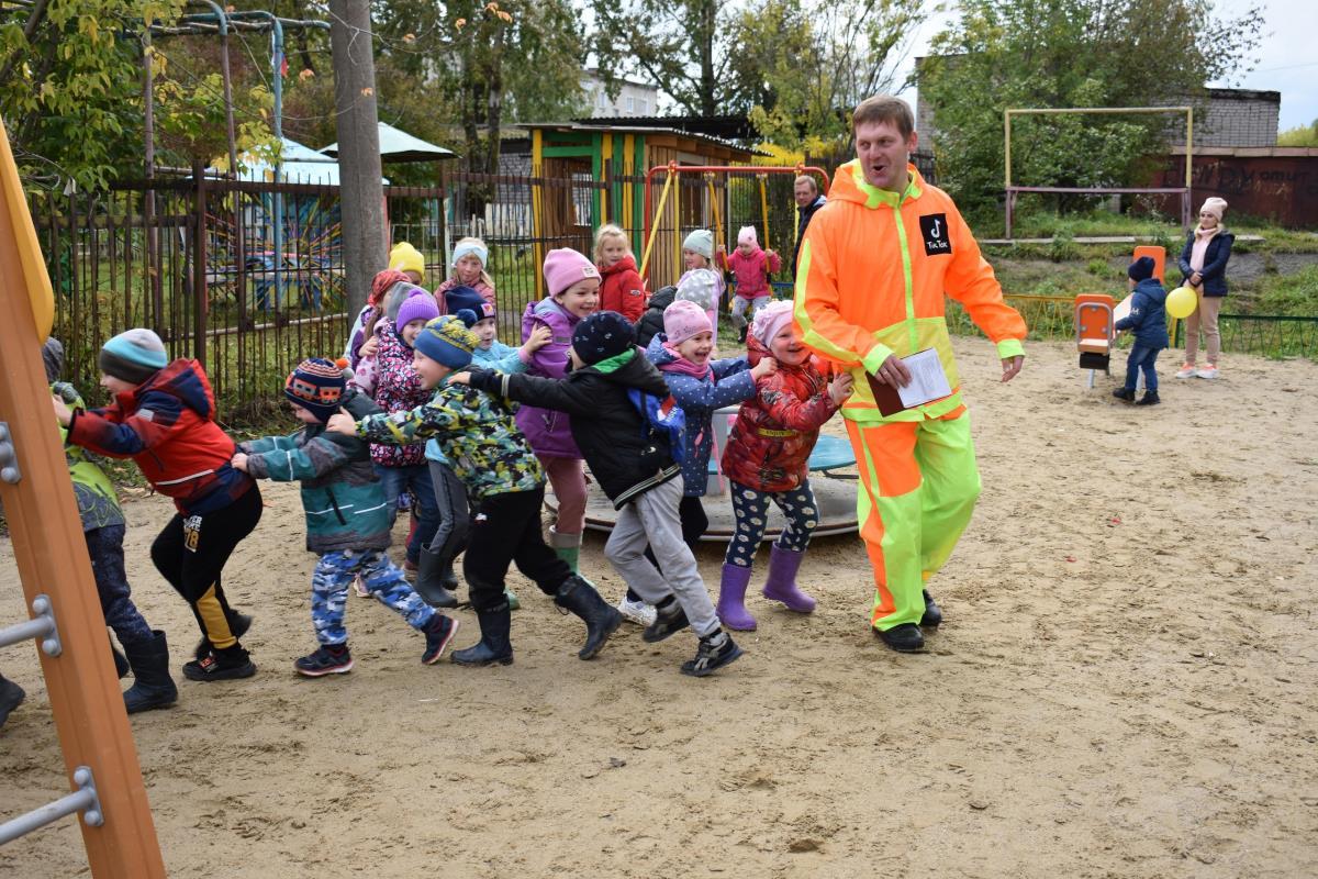 Детская площадка радует жителей города