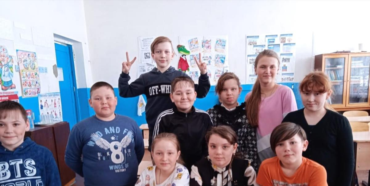 Школьники развесили кормушки для птиц